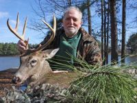 Jose-Alonso-took-this-nice-buck-mid-January-2014